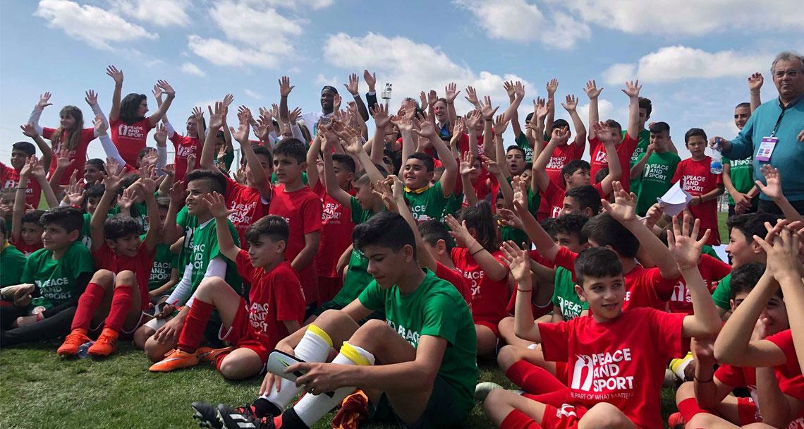Pile'de Kıbrıslı Türk ve Rum çocuklar bir arada, Akıncı sarayda! (Güncelleniyor)