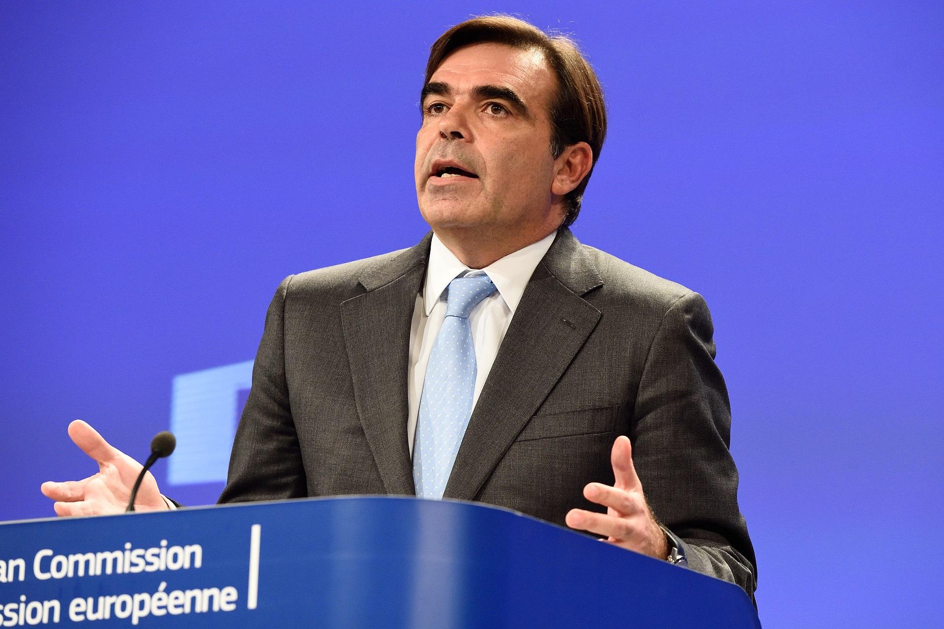 Avrupa Komisyonu Başkan Yardımcısı: İki devletten söz edenler AB'ye sormadılar